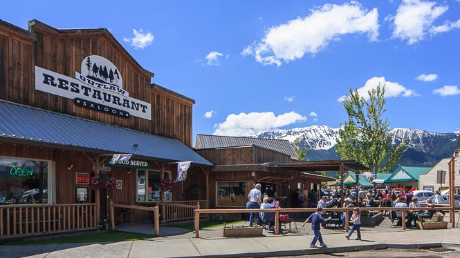Old-Time storefront with outdoor dining patio with great mountain views.