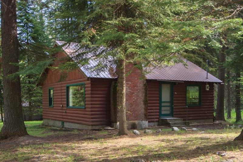 Many of our managed cabins are found in various locations at the south end of Wallowa Lake.